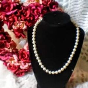 Authentic Pearl vintage necklace